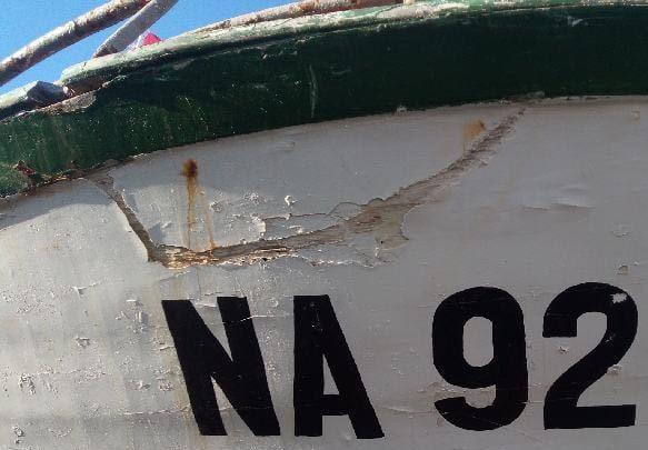 numero d'immatriculation sur la proue d'un bateau Tunisien